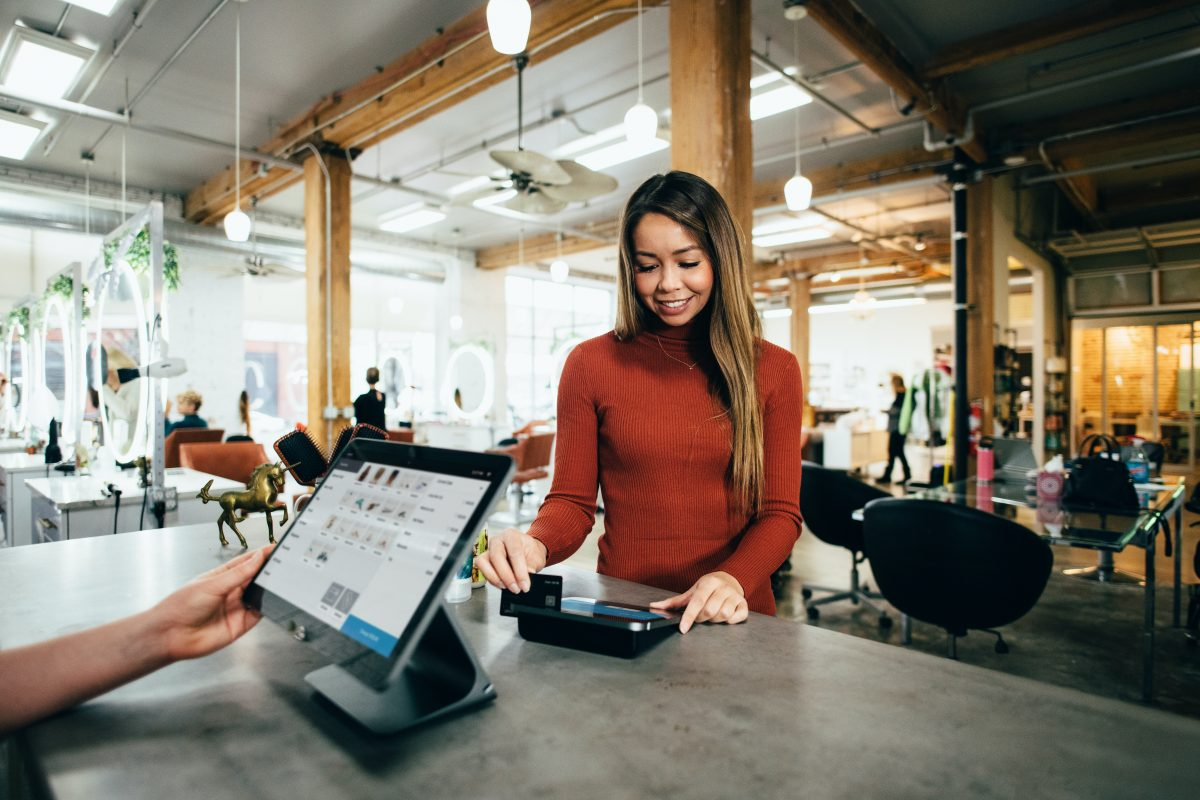 Going Cashless? 3 Free Simple Key Must-Know Electronic Payment
